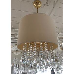 1-bulb chandelier with a light cream lampshade in the shape of a drum with crystal almonds