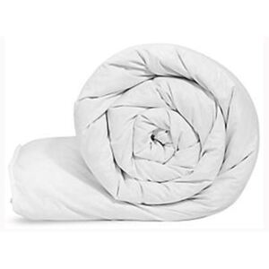 Hollowfibre 4.5 tog Channel Stitched Duvet with PolyCotton Casing