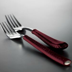 DUETTO LEATHER 24-PIECE CUTLERY SET - Red