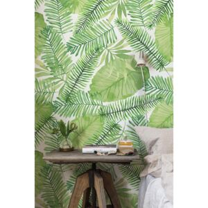 Wallpaper In The Thicket Of Green Leaves