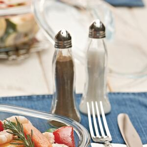 2-piece set of condiment containers: salt and pepper